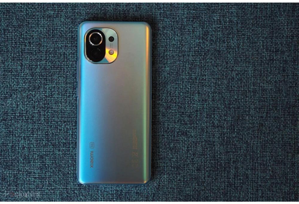 Смартфон Xiaomi Mi 11